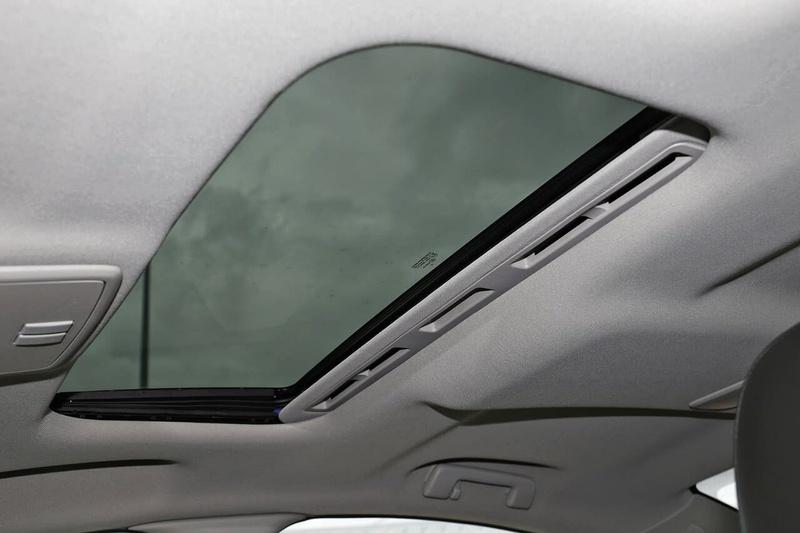 HOLDEN COMMODORE SS V VF Series II SS V Redline Sedan 4dr Spts Auto 6sp 6.2i [MY17]