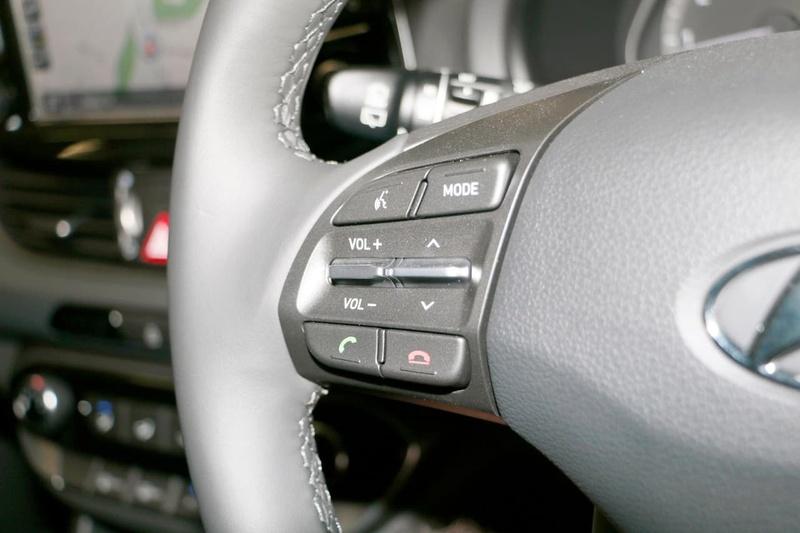HYUNDAI I30 Active PD2 Active Hatchback 5dr Spts Auto 6sp 2.0i [MY18]
