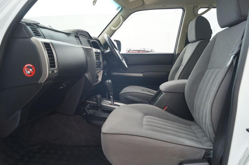 NISSAN PATROL ST Y61 ST Wagon 7st 5dr Auto 4sp 4x4 3.0DT