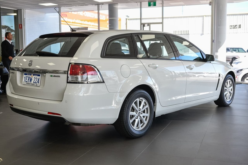 HOLDEN COMMODORE Evoke VF Evoke Sportwagon 5dr Spts Auto 6sp 3.0i [MY15]