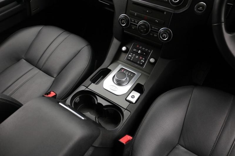LAND ROVER DISCOVERY 4 SDV6 Series 4 SDV6 SE Wagon 7st 5dr Spts Auto 8sp 4x4 3.0DTT [MY14]