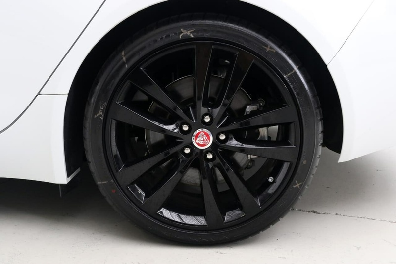 JAGUAR XE 20t X760 20t Prestige Sedan 4dr Spts Auto 8sp 2.0T [MY17]