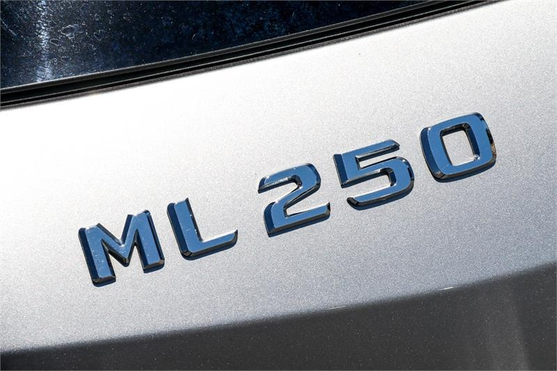 MERCEDES-BENZ ML250 BlueTEC W166 BlueTEC Wagon 5dr 7G-TRONIC + 7sp 4x4 2.1DT [MY15]