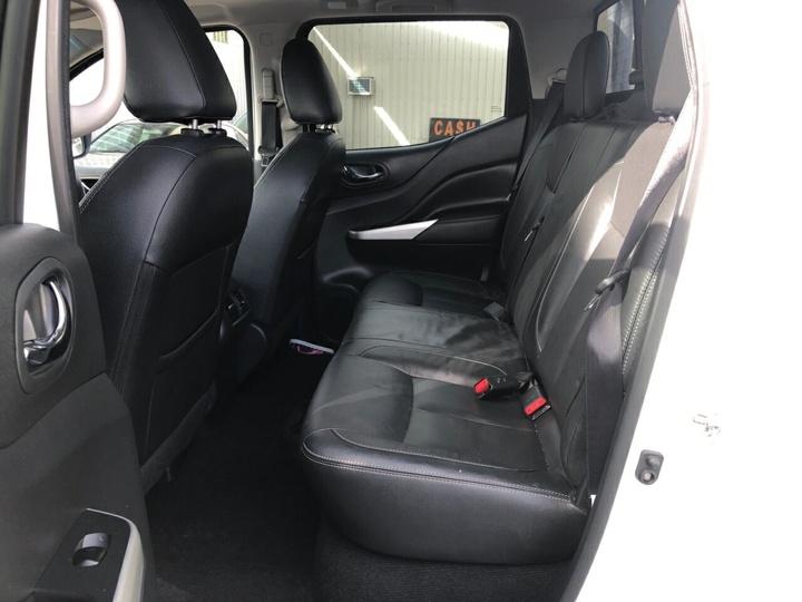 NISSAN NAVARA ST-X D23 ST-X Utility Dual Cab 4dr Spts Auto 7sp 4x2 2.3DTT [Mar]