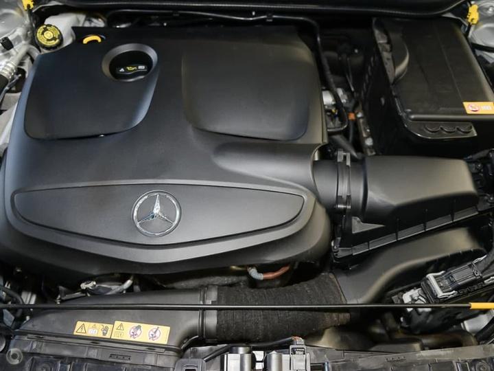MERCEDES-BENZ GLA250  X156 Wagon 5dr DCT 7sp 4MATIC 2.0T (Nov) [Nov]