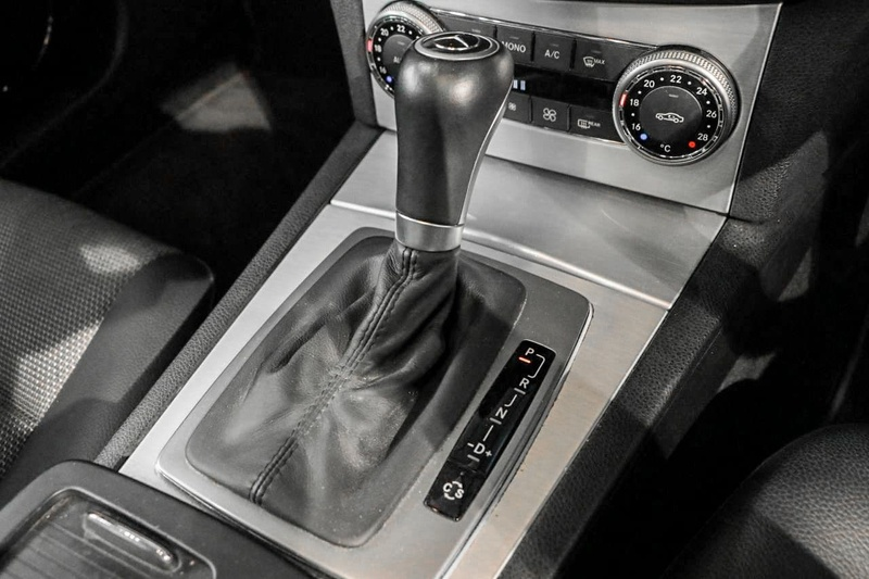 MERCEDES-BENZ C220 CDI Sports W204 Sports Sedan 4dr Auto 5sp 2.2DT
