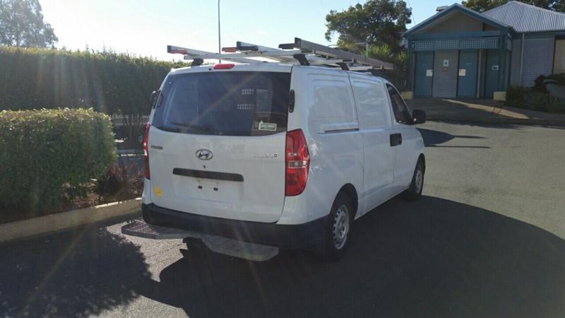 HYUNDAI ILOAD  TQ2-V Van 5dr Auto 5sp 2.5DT (Oct) [MY14]