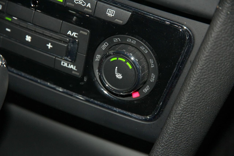 SKODA SUPERB Outdoor 3T Outdoor 125TDI Wagon 5dr DSG 6sp 4x4 2.0DT [MY15]