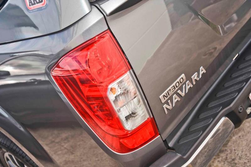 NISSAN NAVARA ST-X D23 ST-X Utility Dual Cab 4dr Man 6sp 4x2 2.3DTT [Mar]