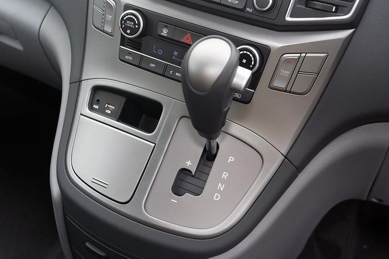 HYUNDAI IMAX Active TQ4 Active Wagon 8st 5dr Auto 5sp 2.5DT [MY19]