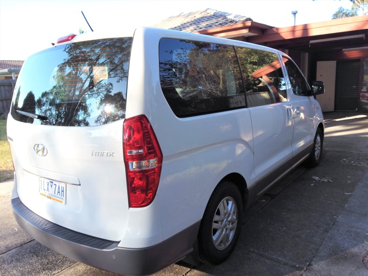HYUNDAI IMAX  TQ3-W Series II Wagon 8st 5dr Auto 4sp 2.4i [MY16]