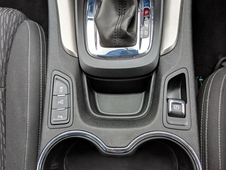 HOLDEN COMMODORE Evoke VF Evoke Sportwagon 5dr Spts Auto 6sp 3.6Gi [MY15]