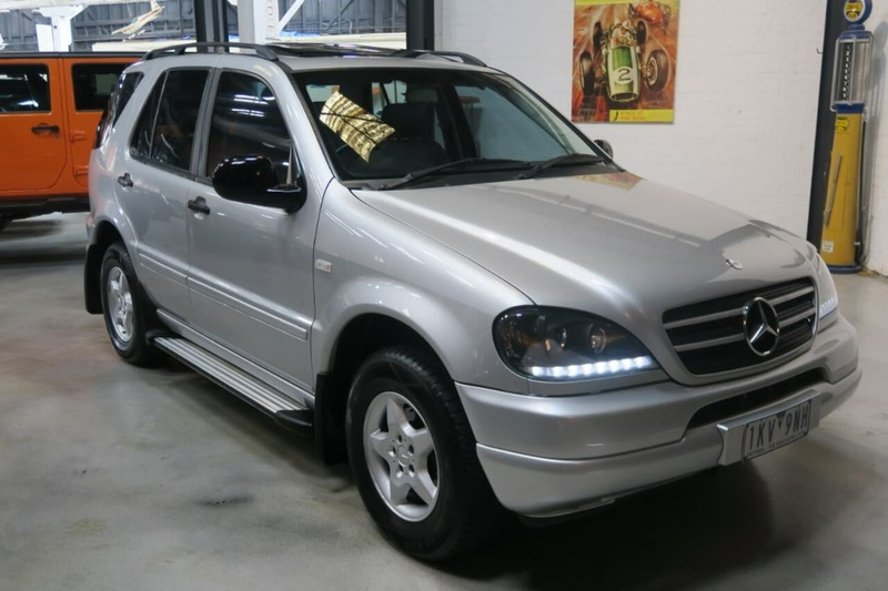 MERCEDES-BENZ ML320 Luxury W163 Luxury Wagon 5dr Spts Auto 5sp 4x4 3.2i [MY00]