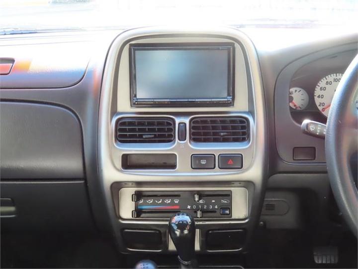 NISSAN NAVARA ST-R D22 S2 ST-R Utility Dual Cab 4dr Man 5sp 4x4 3.3i