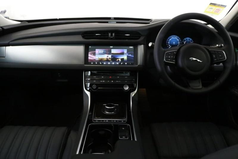 JAGUAR XF 25t X260 25t Portfolio Sedan 4dr Spts Auto 8sp 2.0T [MY18]