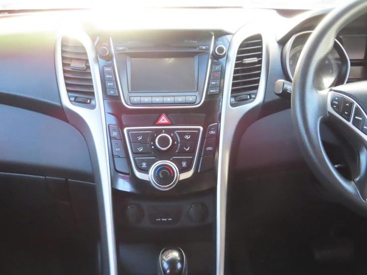 HYUNDAI I30 Active GD2 Active Hatchback 5dr Spts Auto 6sp 1.8i [MY14]