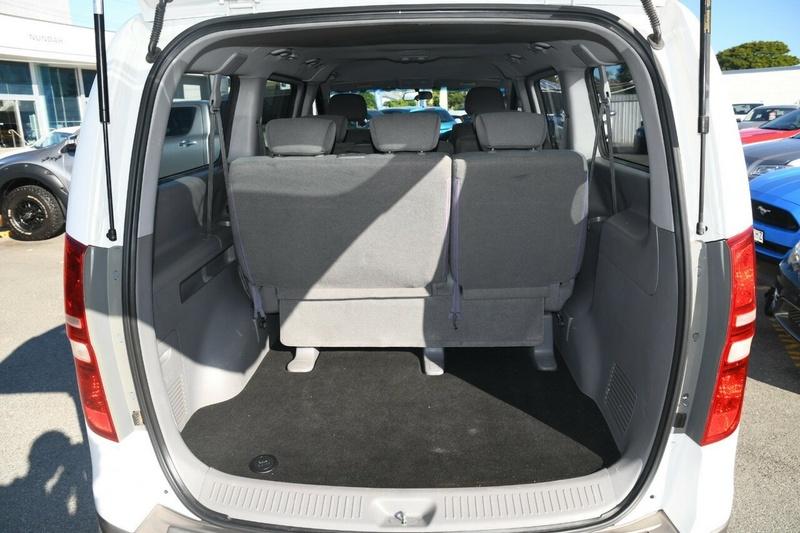 HYUNDAI IMAX  TQ-W Wagon 8st 5dr Auto 4sp 2.4i [MY13]