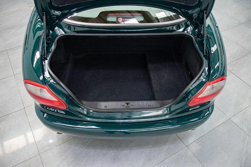 JAGUAR XK8 Classic Classic Coupe 2dr Auto 5sp 4.0i