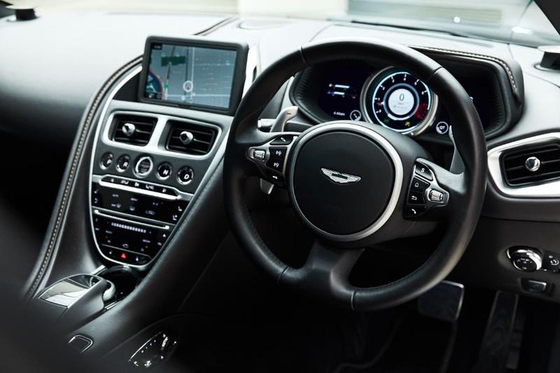 ASTON MARTIN DB11  Coupe 2dr Spts Auto 8sp 5.2TT [MY17]