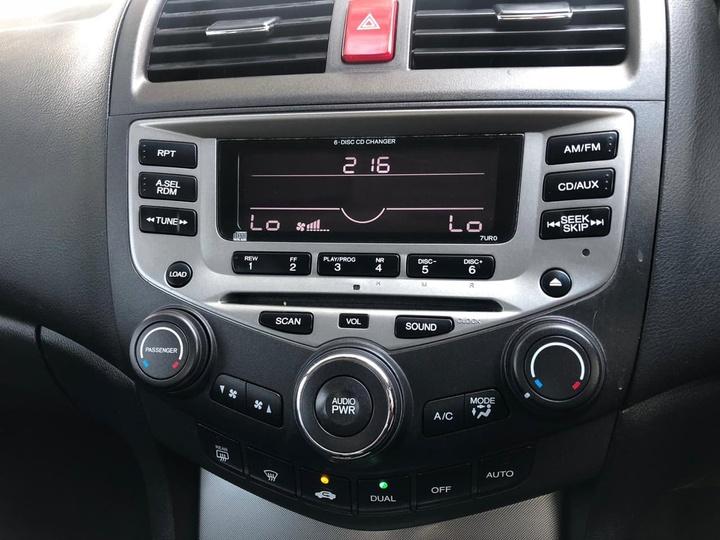 HONDA ACCORD EURO Luxury 7th Gen Luxury. Sedan 4dr Auto 5sp 2.4i [MY06]