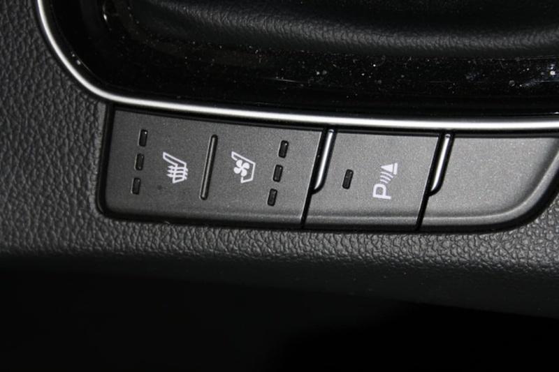 HYUNDAI I30 SR GD5 Series II SR Premium Hatchback 5dr Spts Auto 6sp 2.0i [MY17]