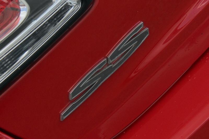 HOLDEN COMMODORE SS V VF SS V Redline Sedan 4dr Spts Auto 6sp 6.0i [MY15]
