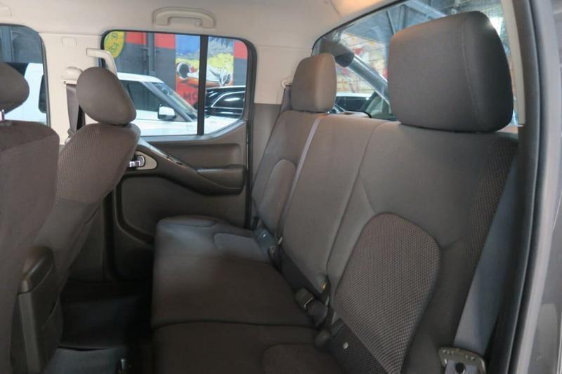 NISSAN NAVARA ST-X D40 ST-X Utility Dual Cab 4dr Man 6sp 4x2 4.0i