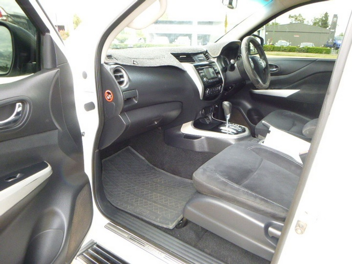 NISSAN NAVARA ST D40 Series 7 ST Utility Dual Cab 4dr Spts Auto 5sp 4x4 2.5DT (May)