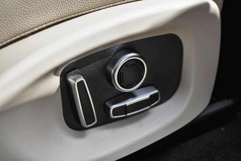 JAGUAR F-PACE 20d X761 20d Prestige Wagon 5dr Spts Auto 8sp 2.0DT [MY19]