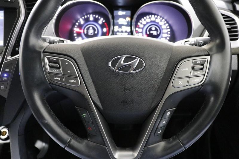 HYUNDAI SANTA FE Elite DM Elite Wagon 7st 5dr Spts Auto 6sp 4x4 2.2DT [MY14]