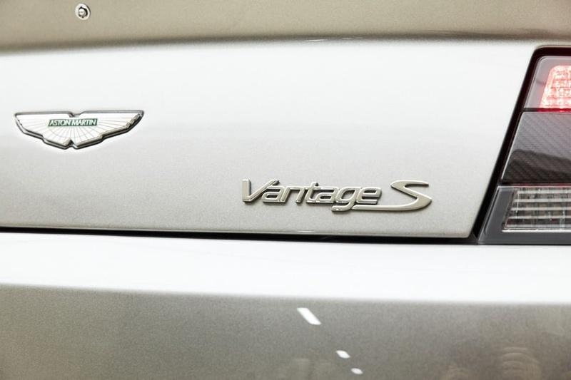 ASTON MARTIN V8 Vantage Vantage S Roadster 2dr Sportshift II 7sp 4.7i [MY17.5]
