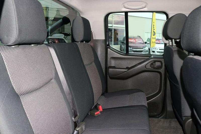 NISSAN NAVARA Silverline D40 Series 9 Silverline SE Utility Dual Cab 4dr Auto 5sp 4x4 2.5DT