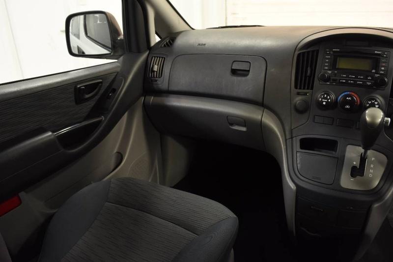 HYUNDAI ILOAD  TQ2-V Van 5dr Auto 5sp 2.5DT [MY14]