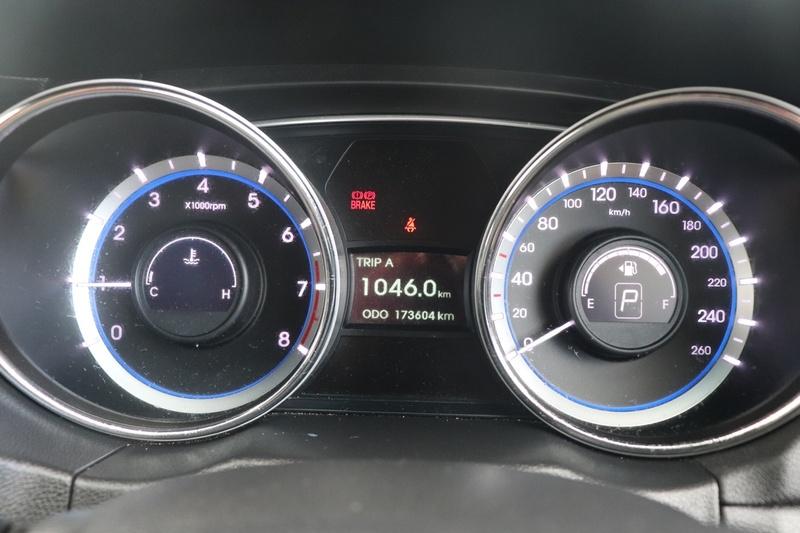 HYUNDAI I45 Active YF Active Sedan 4dr Spts Auto 6sp 2.4i [MY11]