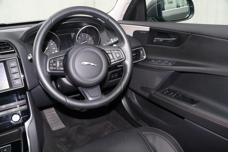 JAGUAR XE 20t X760 20t Prestige Sedan 4dr Spts Auto 8sp 2.0T [MY16]