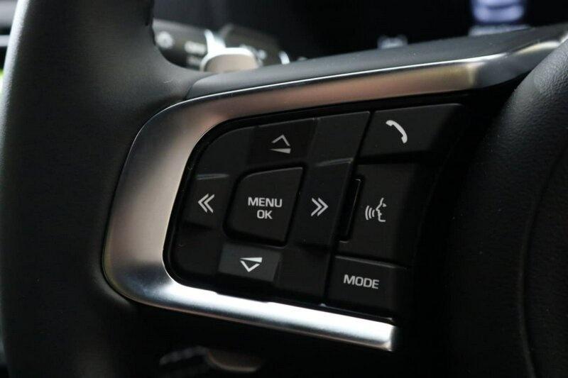 JAGUAR F-PACE 30d X761 30d R-Sport Wagon 5dr Spts Auto 8sp AWD 3.0DTT [MY18]