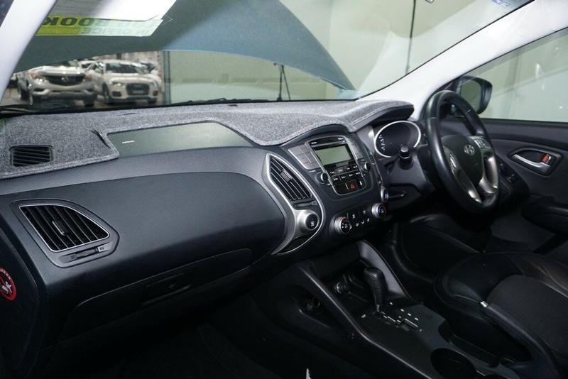 HYUNDAI IX35 Elite LM Elite Wagon 5dr Spts Auto 6sp AWD 2.4i [MY12]