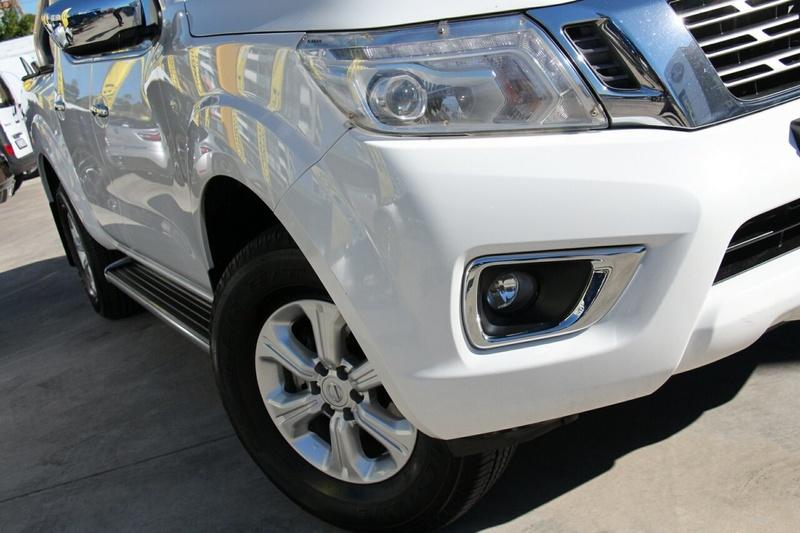 NISSAN NAVARA ST D23 ST Utility Dual Cab 4dr Man 6sp 4x2 2.3DTT [Mar]