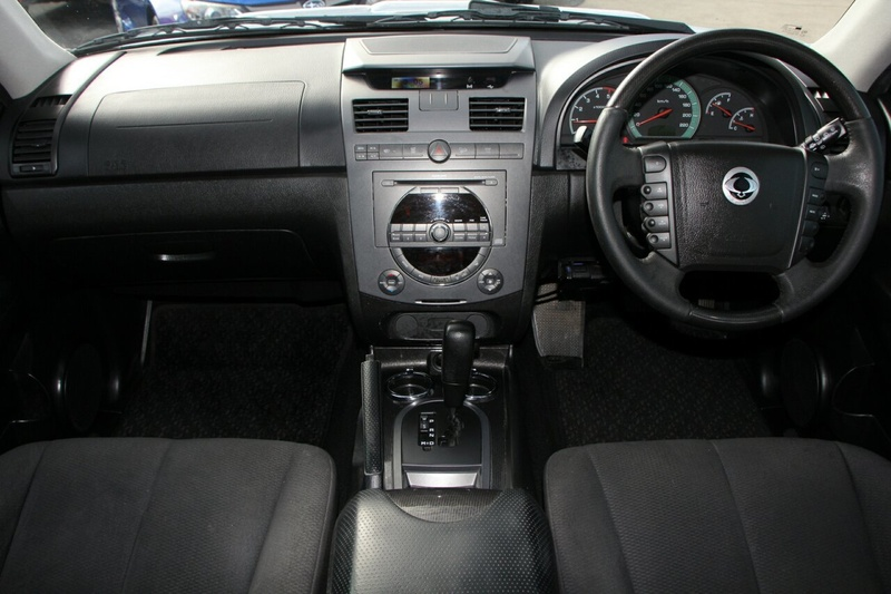 SSANGYONG REXTON RX270 Y285 II RX270 Wagon 7st 5dr Spts Auto 5sp 4x4 2.7DT [MY10]