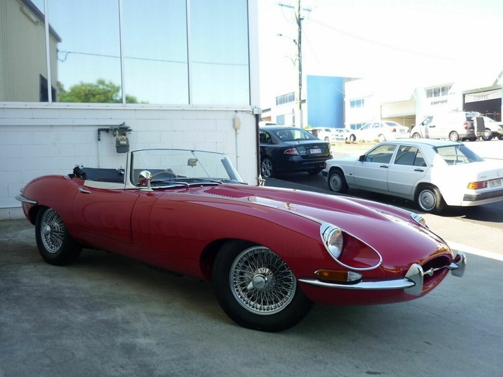 JAGUAR   Series 1 1/2 Roadster 2dr Man 4sp 4.2 [May]