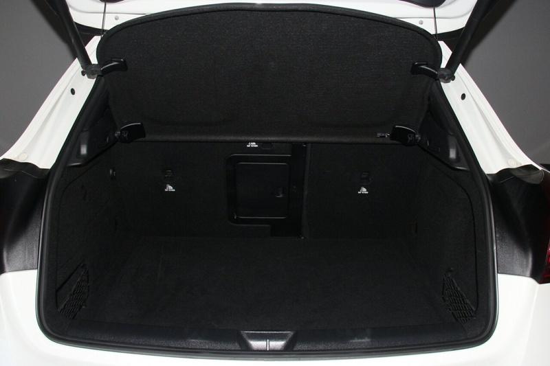 MERCEDES-BENZ GLA180  X156 Wagon 5dr DCT 7sp 1.6T [Dec]