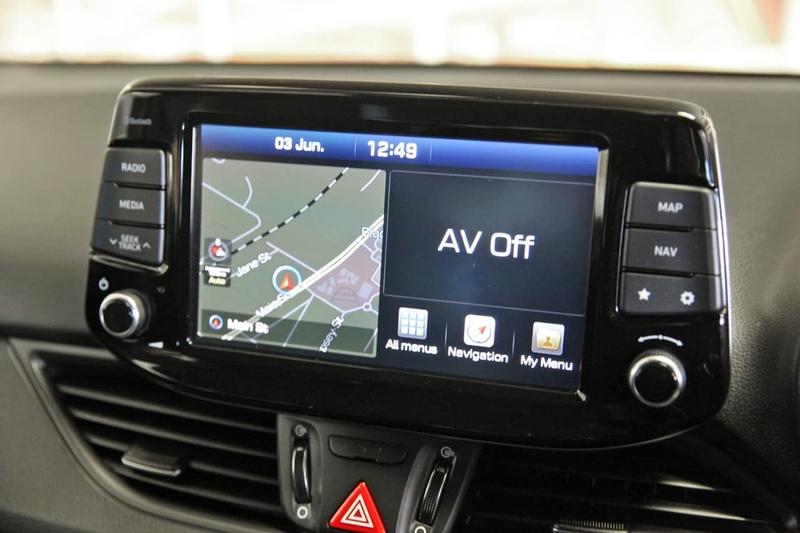 HYUNDAI I30 SR GD5 Series II SR Hatchback 5dr Spts Auto 6sp 2.0i [MY17]