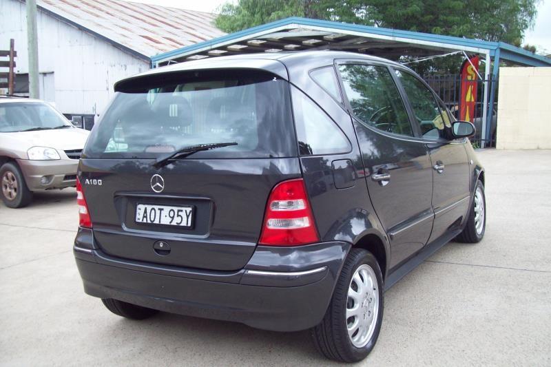 MERCEDES-BENZ A160