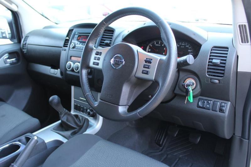 NISSAN NAVARA ST D40 Series 6 ST Utility Dual Cab 4dr Man 6sp 4x4 2.5DT