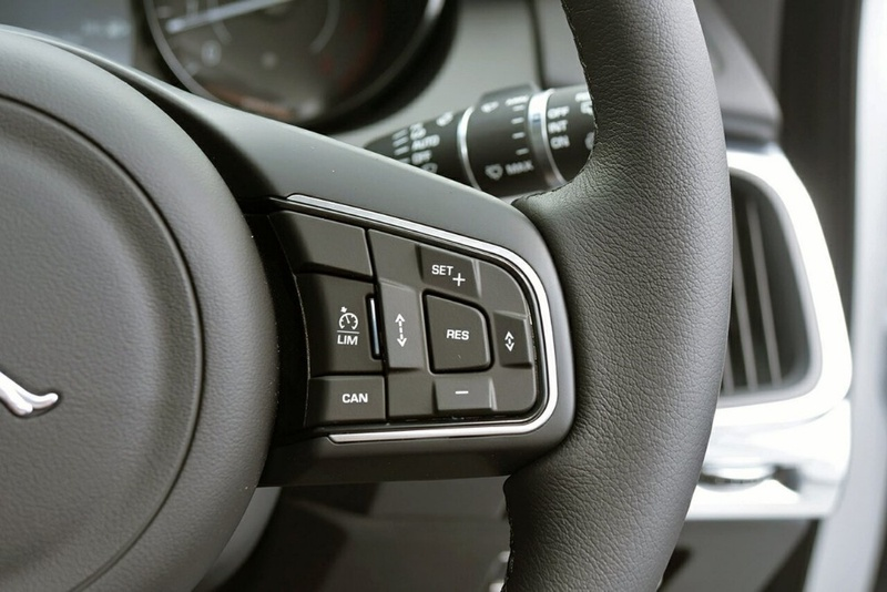 JAGUAR E-PACE P300 X540 P300 SE Wagon 5dr Spts Auto 9sp AWD 2.0T [MY18]
