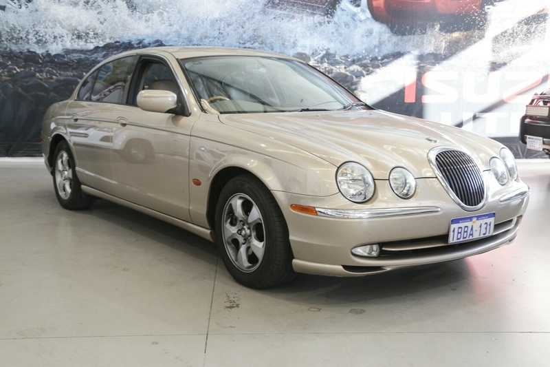 JAGUAR S-TYPE SE X200 SE Sedan 4dr Auto 5sp 4.0i [MY01]