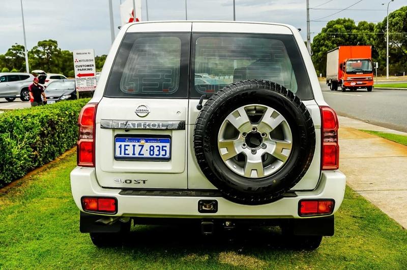 NISSAN PATROL ST Y61 ST Wagon 7st 5dr Auto 4sp 4x4 3.0DT (GU 8)