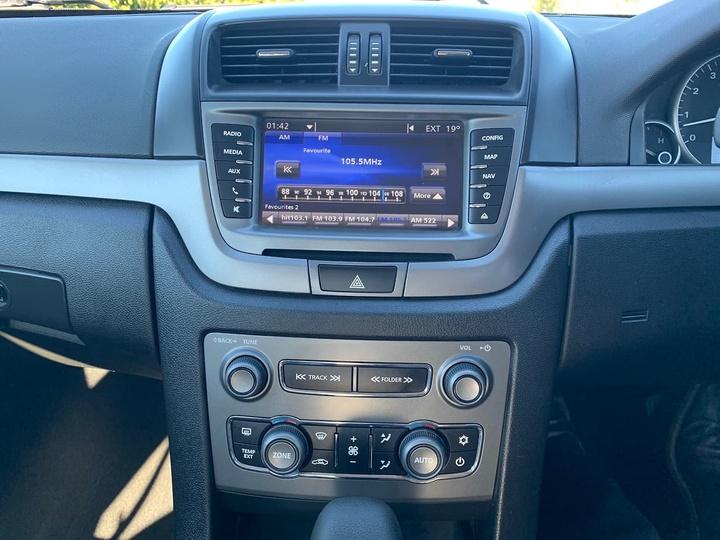 HOLDEN COMMODORE Z Series VE Series II Z Series Sedan 4dr Spts Auto 6sp 3.0i [MY12.5]