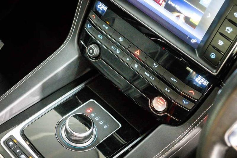 JAGUAR F-PACE 20d X761 20d R-Sport Wagon 5dr Spts Auto 8sp AWD 2.0DT [MY17]