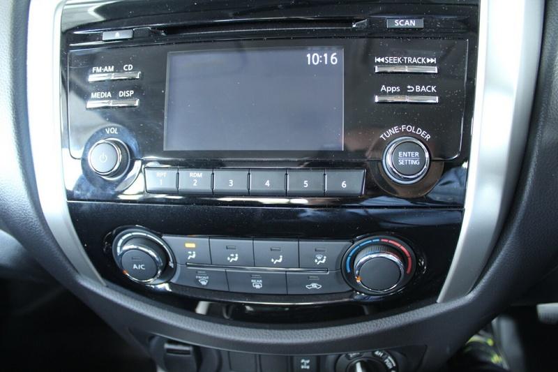 NISSAN NAVARA SL D23 Series 3 SL Utility Dual Cab 4dr Spts Auto 7sp 4x4 2.3DTT [Nov]